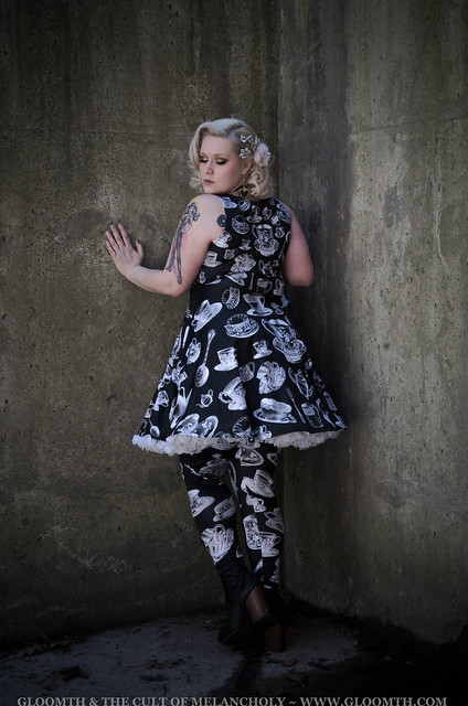 gothic teacup print party dress in plus size teaparty by gloomth (8)