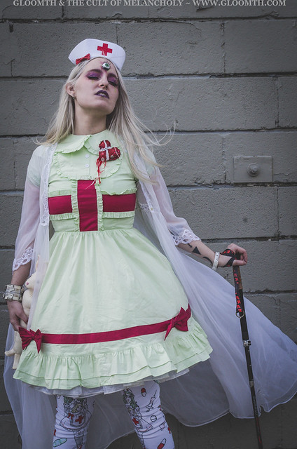 gurololita in mint green medical dress with extra eyeball by gloomth