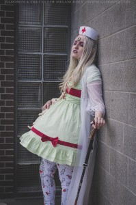 gurololita in mint green medical dress with extra eyeball by gloomth (6)