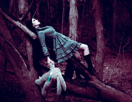 ReeRee Phillips and Gloomth gothic victorian fashion (1)