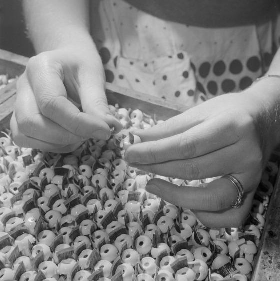 assembling doll eyes 1956