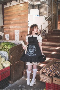 old school lolita style gloomth