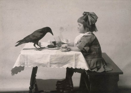 girl with raven 1910 Reuben Sallows