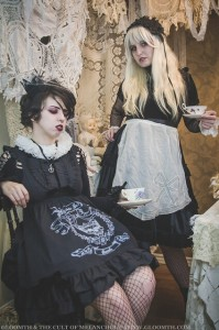 goth alice in wonderland