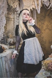 gothic alice in wonderland outfit