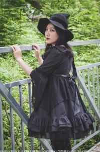 gothic lolita witch fashion