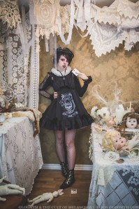red queen gothic lolita wonderland