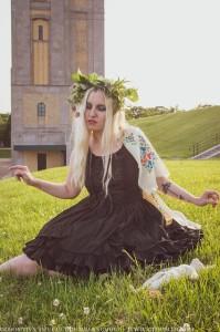 midsommar gothic photoshoot