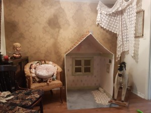 building the doll house set