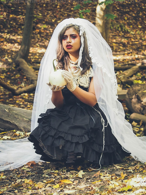 halloween bride photoshoot