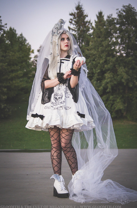ghost queen costume