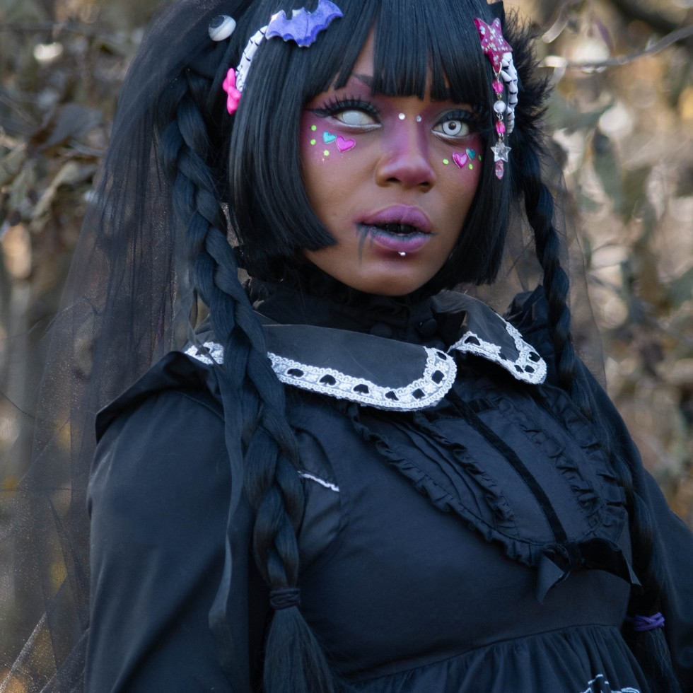 dolly momoiro gloomth - Copy