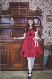 gothic lolita in a red dress