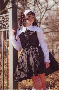 gothic lolita jumperskirt in black