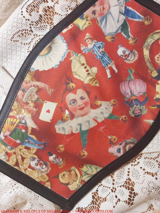 vintage clown print face mask SMALL
