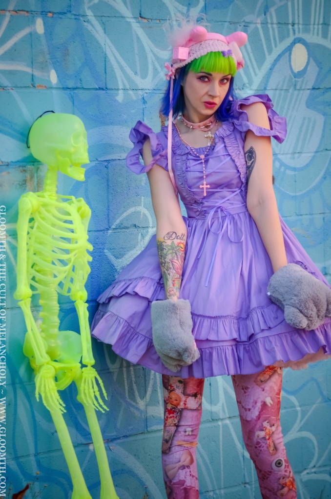 creepy kawaii fashion